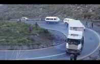 IDIOT TRUCK DRIVERS, CRAZY TRUCK DRIVING FAILS