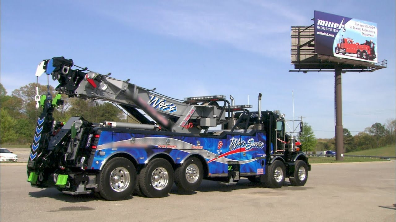 large tow trucks how it 39 s made. Black Bedroom Furniture Sets. Home Design Ideas