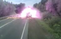 Un camion prend feu suite à un accident