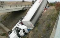 TRUCK CRASH COMPILATION – Worst Truck Crashes! 2013